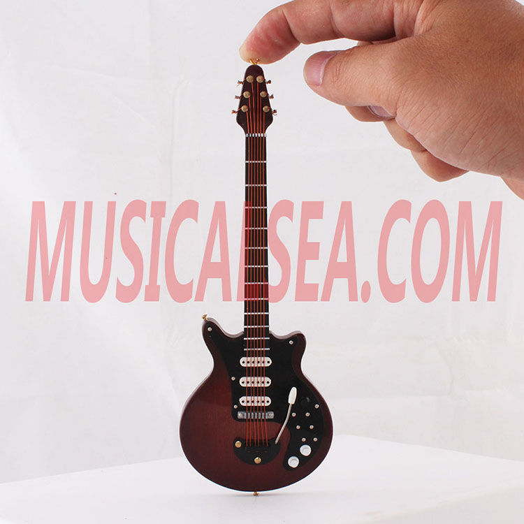 Miniature guitar model wooden handmade crafts