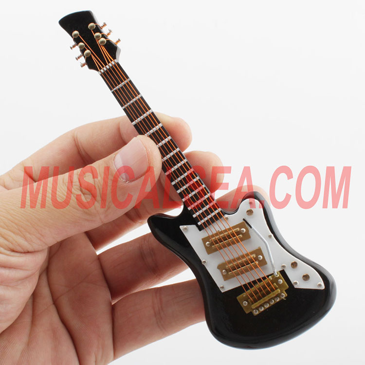 Miniature guitar/ wooden Brooches for new gif