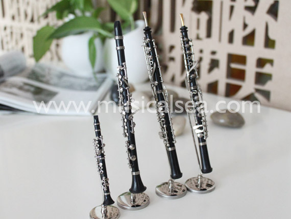 Miniature Clarinet-Oboe Musical Instrument